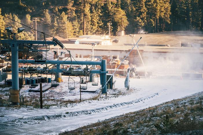 snowmaking-3511.jpg