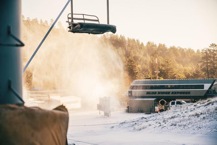 snowmaking-3521.jpg