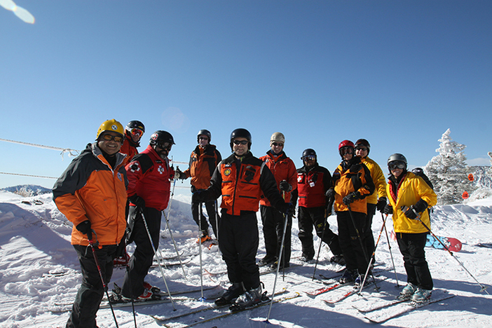 Ski Patrol got our for a little training in the freshies.
