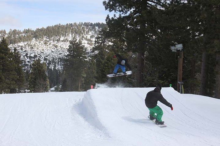 The new mid size jump line on Creekside is so fun!