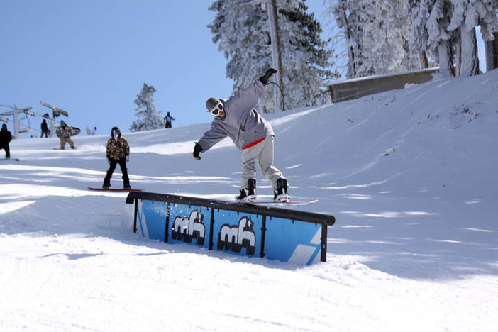 Front boarding the Mikey Rail.