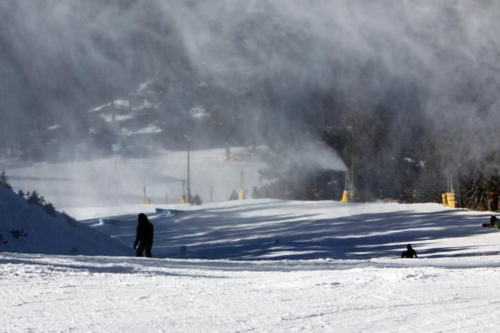 6+ inches added to our West Resorts base. Snowmaking to continue through the day.