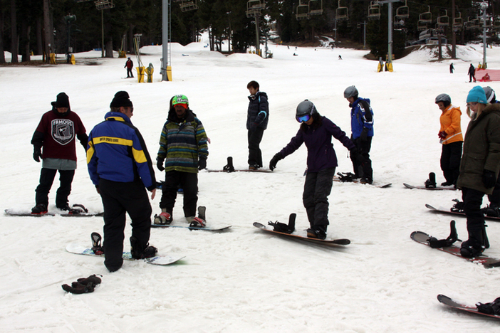 Last week of National Ski & Snowboard Month w/afternoon and beginner lessons deals.