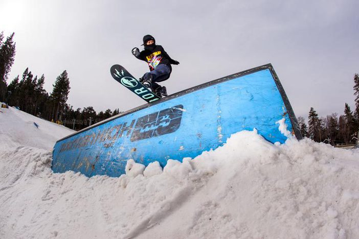 Khumie pressing it out on the Doghouse.  Photo Eddie Densow
