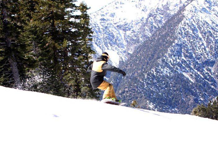 Snowcapped mountains line the main runs.