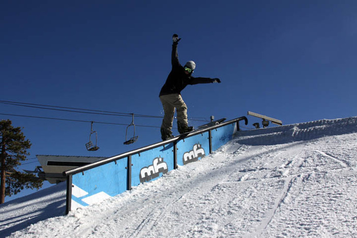 Jaeger Bailey down from Mammoth to shred the park.