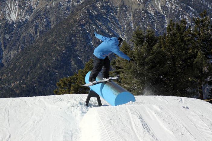 Thorley frontboarding the Trojan Horse on Upper Chisolm.