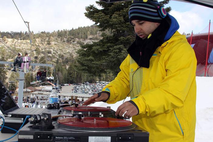 DJ Vinnie V laying down the back beats.