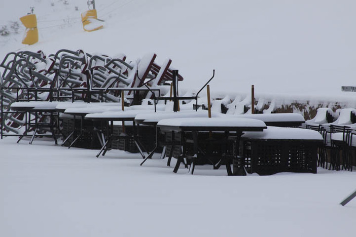 Fresh snow covers the West Deck.
