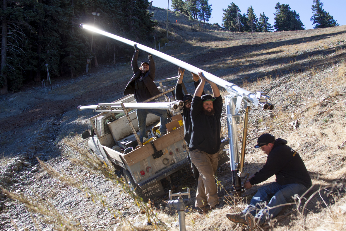 20181019_New Snowguns Install Chisolm Canl_0042