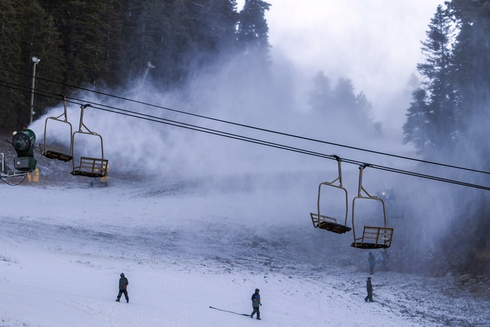 20161117_2nd Snowmaking_Chisholm Crew on slope.jpg