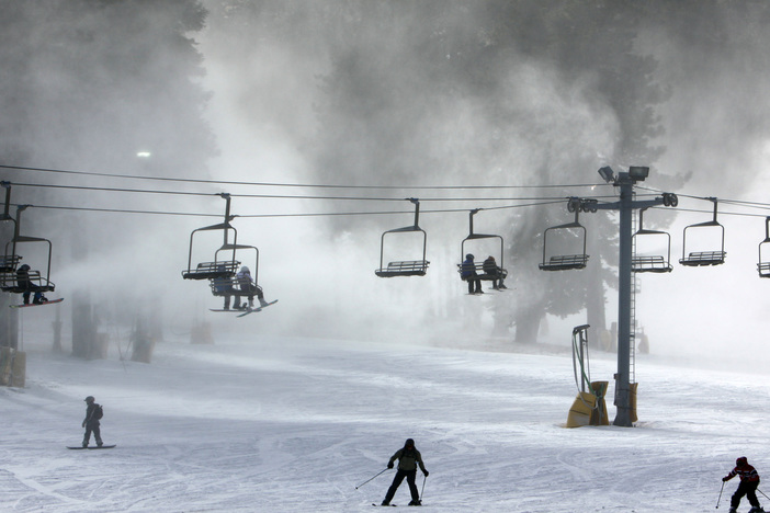 Snow guns are blowing!
