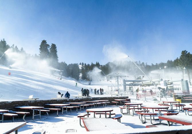 11 11 26 snow blowing_20.JPG