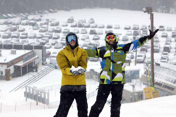 1-2 inches of fresh snow across the Mountain!