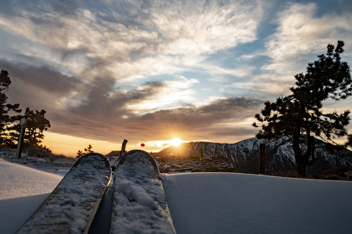 20181226_Sunset and Skis