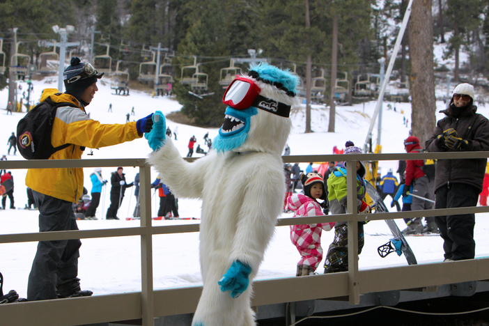 Yeti giving dap. #HaveYouSeenHim