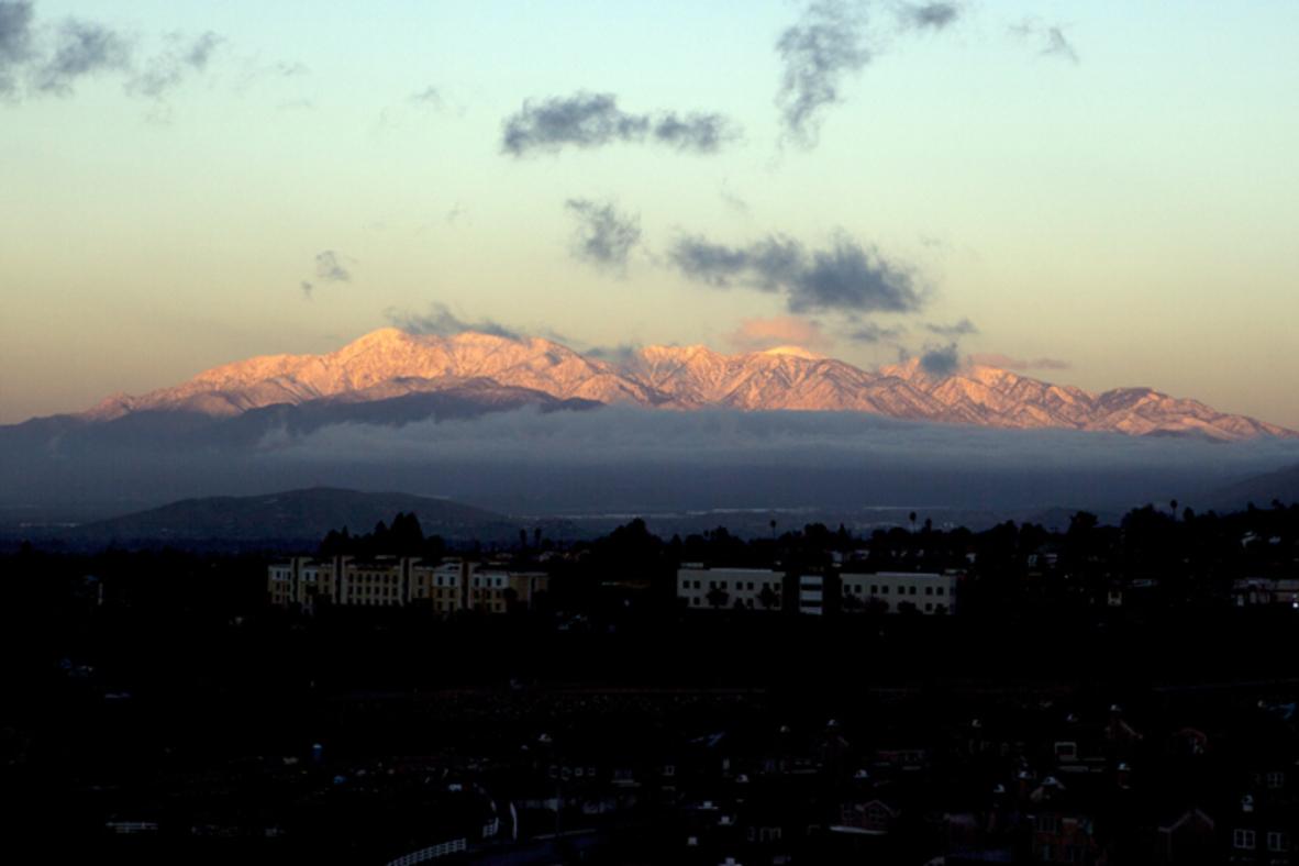 20170121_San Gabriel Mountains snowy sunrise.jpg