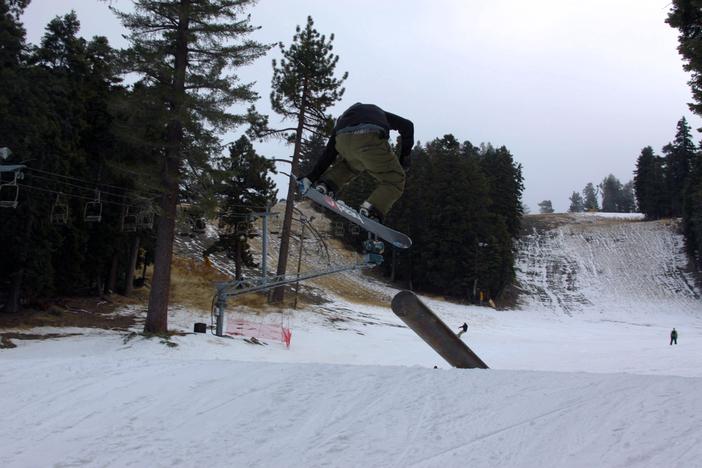 180 Lien Air off the pole jam.