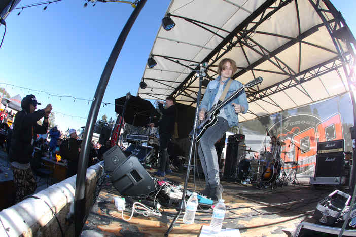 Nothing But Thieves Rocking out the Kroq Snow And Show.