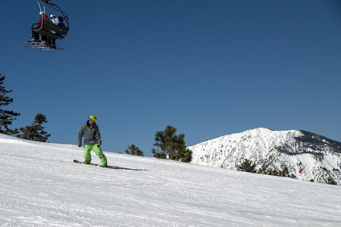 20190316_MHE reopens blue sky Yeti Park Runs over a foot of fresh snow0608.jpg