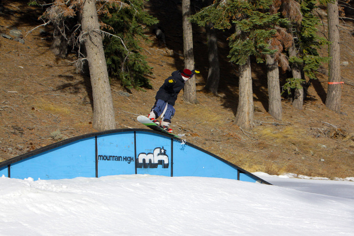 Nose Press through the Rainbow Rail on Lower Chisolm.