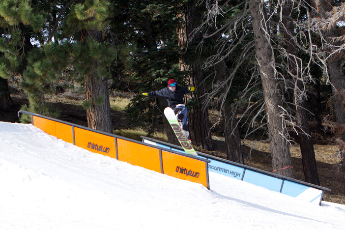 Getting a nose bonk on the#32TF Rail.