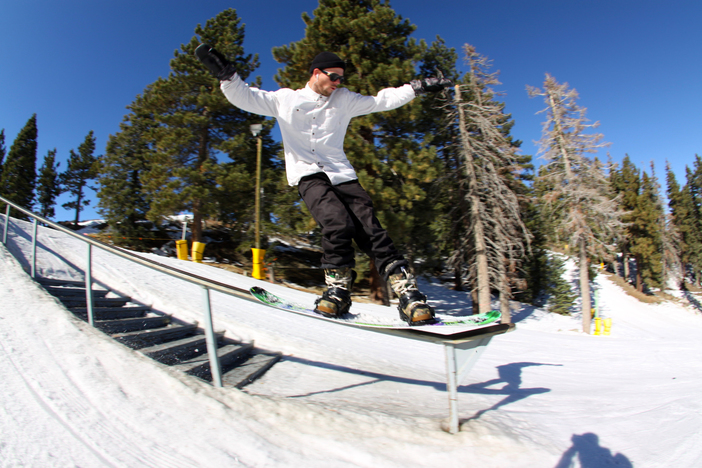 @TreverHaas with a Frontside tail press on the kinked stairset.